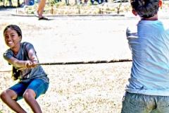 Lā 'Ulu - playing hukihuki
